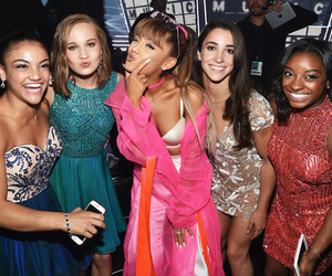ariana grande, vmas, and aly raisman image