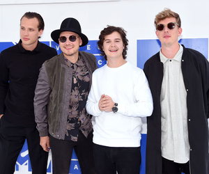 Magnus Larsson, vmas, and lukas graham image