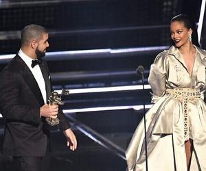 rihanna, Drake, and vmas image