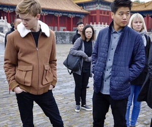 ki hong lee, newt, and thomas sangster image