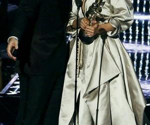Drake, rihanna, and kiss image
