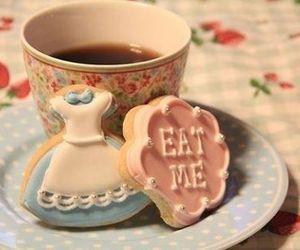 tea, alice in wonderland, and Cookies image