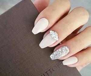 nails, vuitton, and nailart image