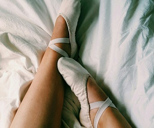 ballet and balletshoes image