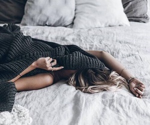 girl, bed, and cozy image
