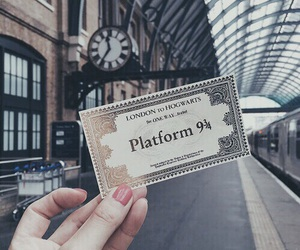 harry potter, hogwarts, and platform image