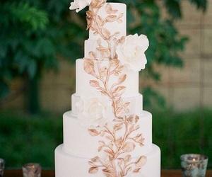 elegant, flowers, and wedding cake image
