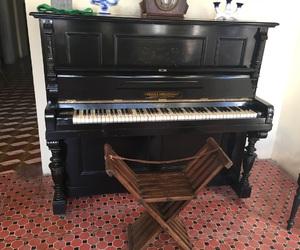 antiguidade, piano, and música image