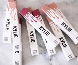 beauty, lips, and kylie image