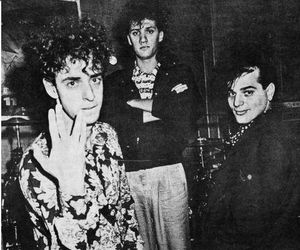 gustavo cerati and soda stereo image