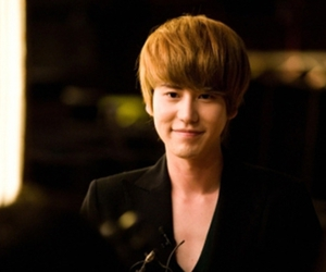 asian, k-pop, and kyuhyun image
