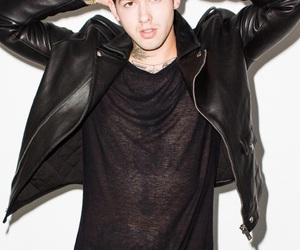 Hot and travis mills image