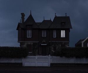 dark, house, and grunge image