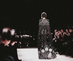 Alexander McQueen, dark, and runway image