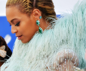 mtv vma, queen bey, and 2016 image