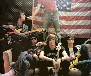 nme, the strokes, and the_strokes image