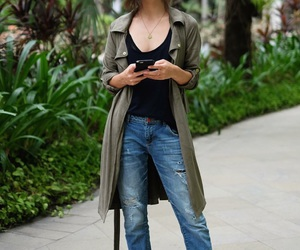 boyfriend jeans, casual, and fashion image