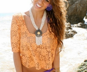beach, girl, and necklase image