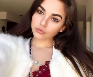 maggie lindemann, girl, and eyebrows image