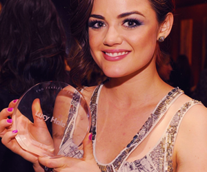 lucy hale, pretty little liars, and aria image
