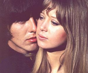 george harrison, pattie boyd, and couple image