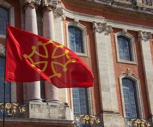 flag and occitan image