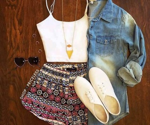 outfit, casual, and moda image