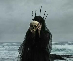 dark, skull, and sea image