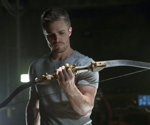 arrow and stephen amell image