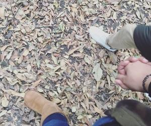 autumn, nice, and pareja image