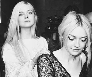 dakota fanning, Elle Fanning, and sisters image