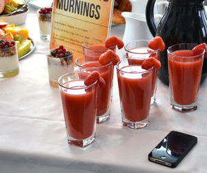 drink, strawberry, and breakfast image