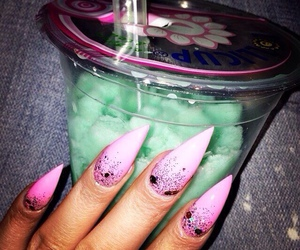nails and drink image