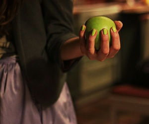 apple green, green nails, and H&M image