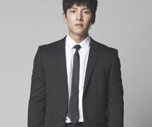 Korean Drama, ji chang wook, and the k2 image