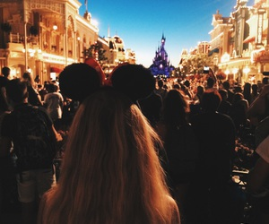 couple, disneyland, and hair image