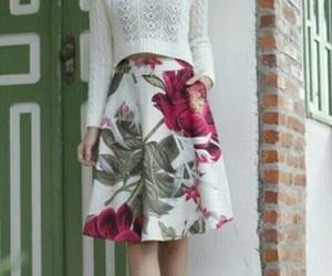fashion, saia midí, and feminine image