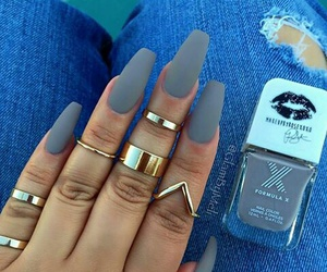 gris and nails image