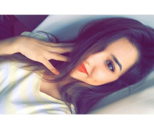 بُنَاتّ and girl image