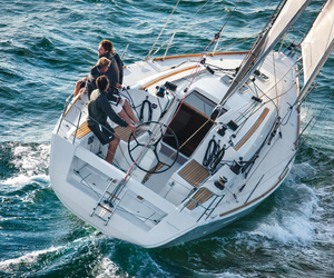 sailing lessons, powerboat lessons, and learn to sail image