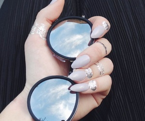 nails and mirror sunglasses image