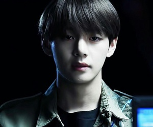 bts, v, and wings image