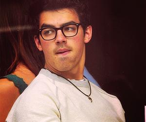 Joe Jonas and jonas brothers image