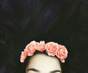 cabelo, coroa, and flores image