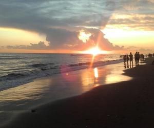 sunset, puesta de sol, and sea image