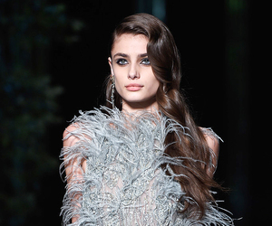 model, elie saab, and taylor hill image