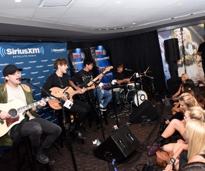 acoustic, siriusxm, and 5sos image
