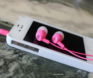 iphone, pink, and music image