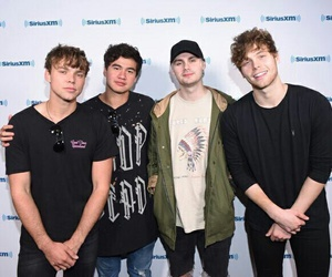 5 seconds of summer, luke hemmings, and michael clifford image