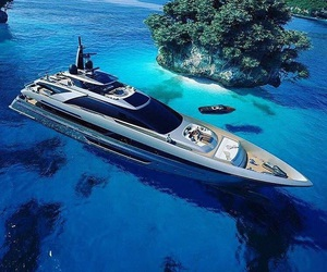 rich and yacht image